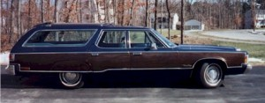1974_Chrysler_TownCountry_side